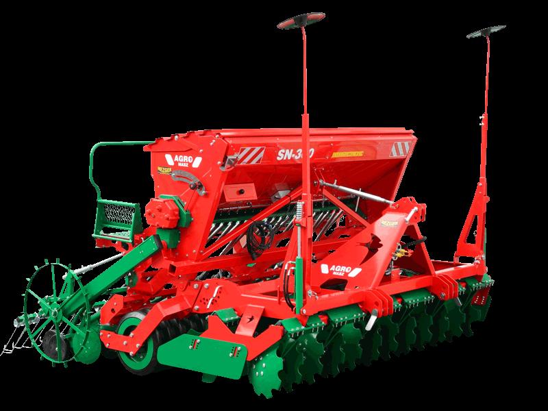 AGRO-MASZ SN300 Freigestellt in der Farbe rot